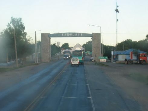 Entrée de La Paz, région de Mendoza au petit matin