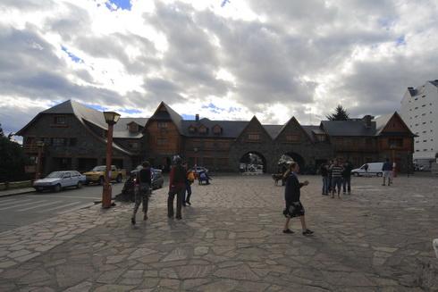 Bibilothèque et musée de la Patagonie sur la place principale appelée Centro Civico
