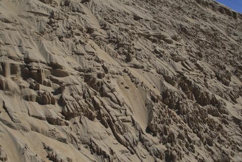 les dunes se désagrègent au gré du vent